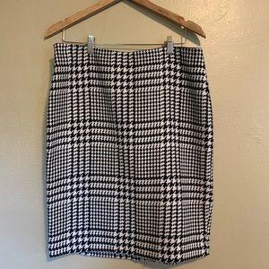 Liz Claiborne | Houndstooth Wool Blend Skirt | 14